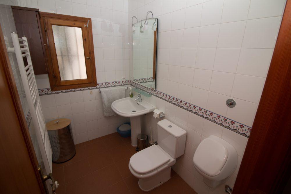 15. Guest Toilet